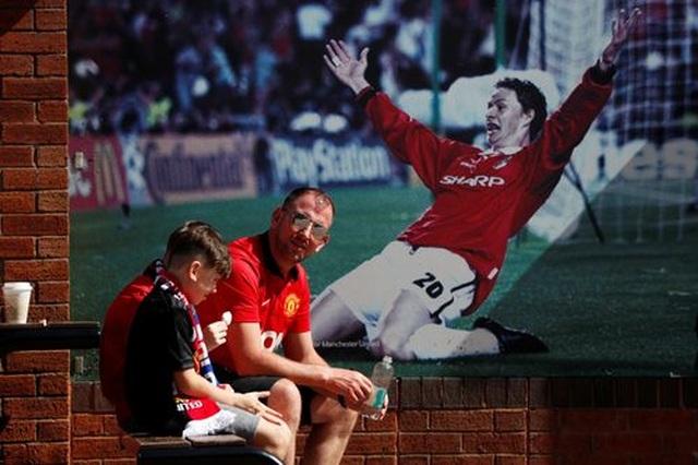 Man Utd 1-2 Crystal Palace: Địa chấn ở Old Trafford - 2