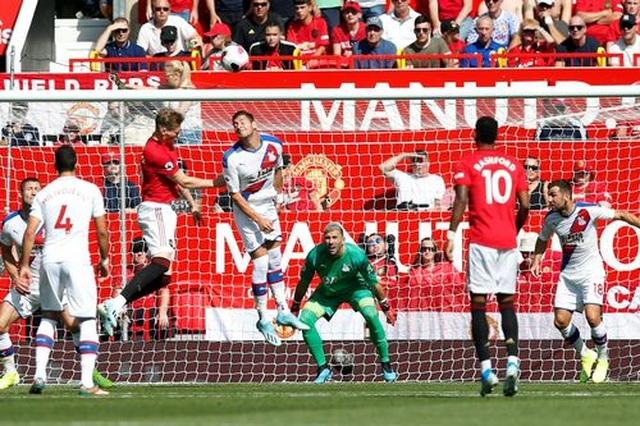 Man Utd 1-2 Crystal Palace: Địa chấn ở Old Trafford - 5