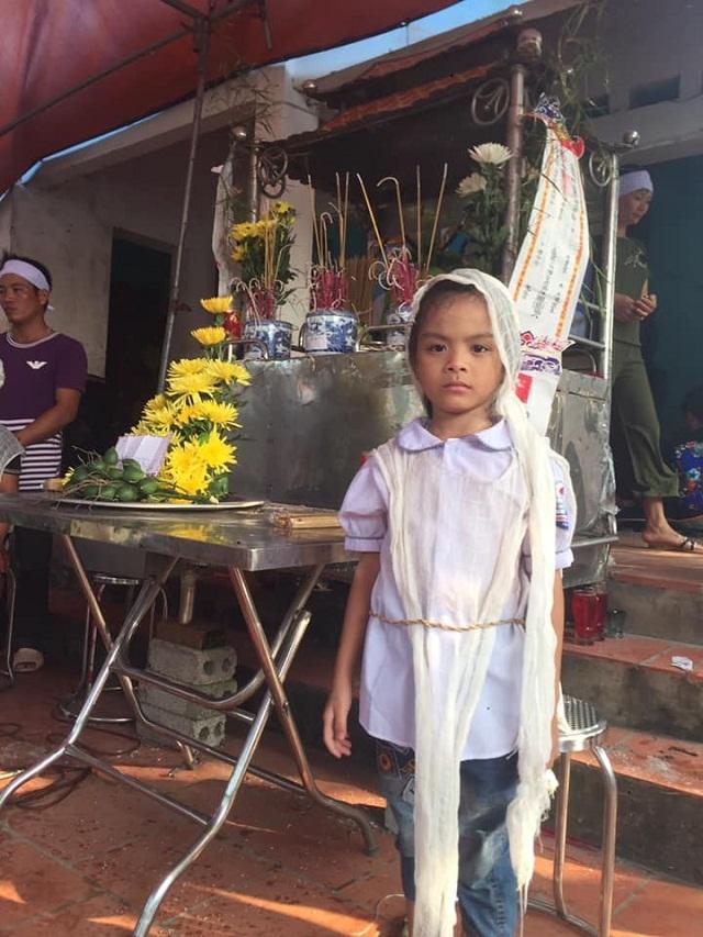 Đớn đau cảnh bé gái 6 tuổi duy nhất sống sót trong gia đình bị đất đá vùi lấp - 5