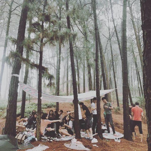 """Không cần đi xa, ngay gần Hà Nội cũng có điểm cắm trại """"sống ảo"""" tuyệt đẹp cho dịp nghỉ lễ - 1"""