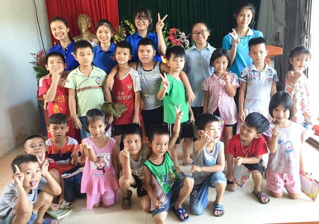 Sinh viên mở lớp dạy tiếng Anh miễn phí cho học sinh dịp hè - 5