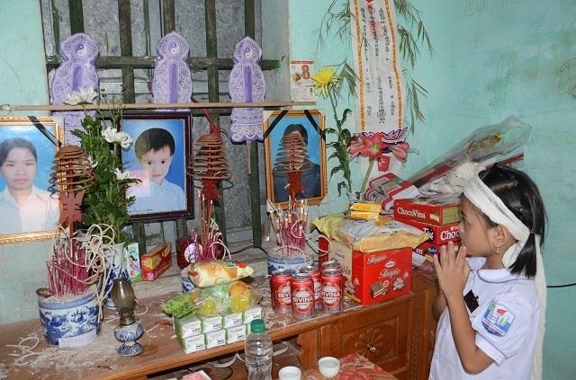 Đớn đau cảnh bé gái 6 tuổi duy nhất sống sót trong gia đình bị đất đá vùi lấp - 15