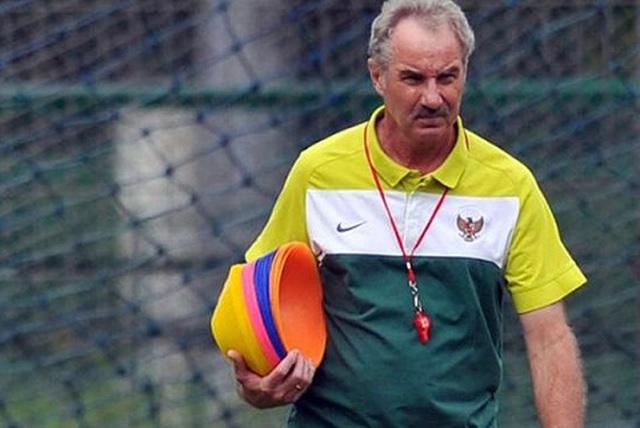 HLV Alfred Riedl tái xuất với bóng đá Đông Nam Á - 1