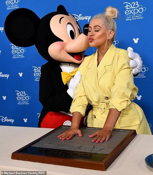 Christina Aguilera trẻ trung như thời con gái - 1