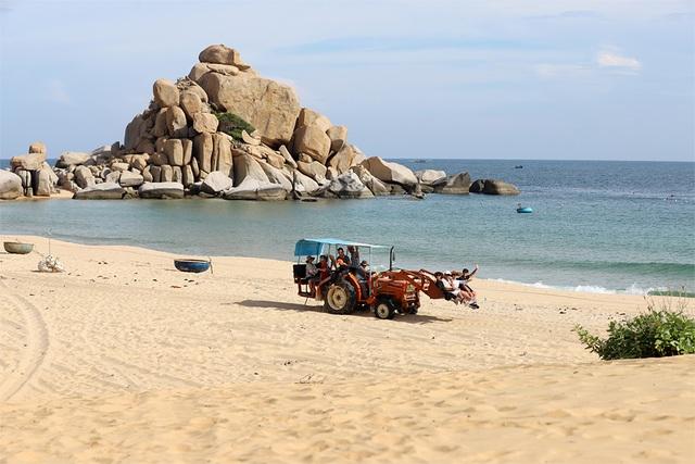 """Những người """"rũ áo nông dân"""" làm du lịch trải nghiệm ở Ninh Thuận - 2"""