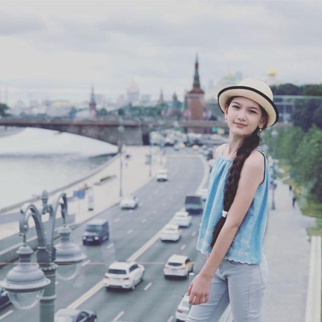 Em gái Lâm Tây sở hữu chiều cao 1m65 và thần thái cuốn hút ở tuổi 12 - 12