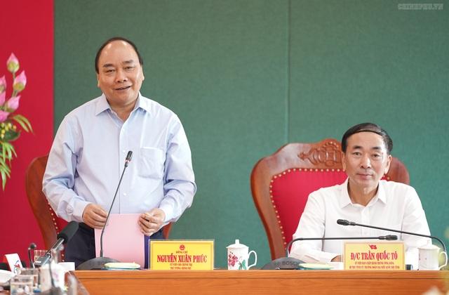 Thủ tướng thăm và làm việc tại Thái Nguyên, Bắc Kạn - 1