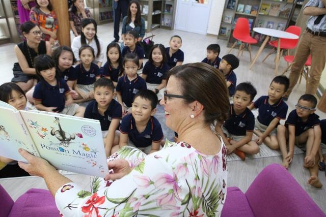 Phu nhân Thủ tướng Úc tham gia giờ đọc sách với học sinh Việt Nam - 4