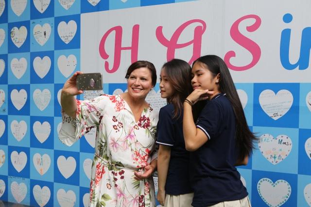 Phu nhân Thủ tướng Úc tham gia giờ đọc sách với học sinh Việt Nam - 2