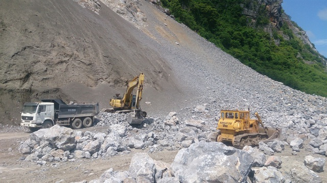 Tai nạn nghiêm trọng trong khi khai thác đá, 3 người thương vong - 1