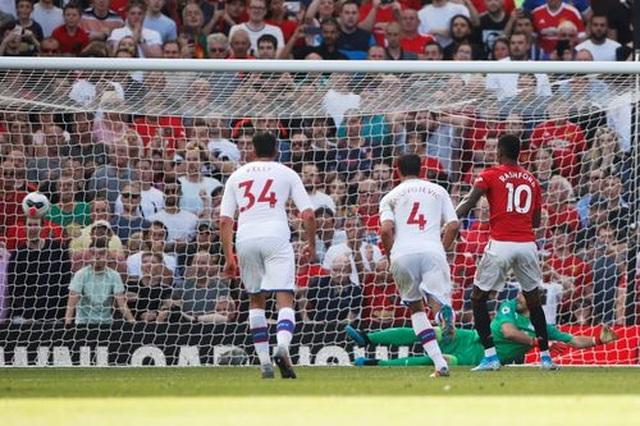 Những khoảnh khắc trong trận thua tệ hại của Man Utd trước Crystal Palace - 12