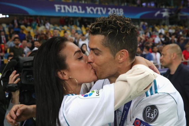 Tôi và Ronaldo yêu nhau từ cái nhìn đầu tiên - 6