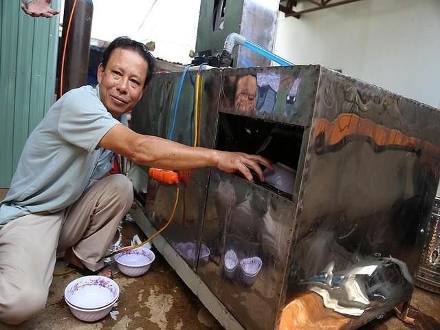 Bác nông dân Tây Nguyên chế tạo máy rửa chén công nghiệp - 1
