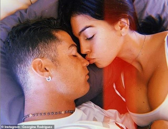 Tôi và Ronaldo yêu nhau từ cái nhìn đầu tiên - 3