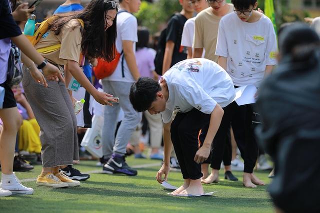 Teen Yên Hoà nhảy cổ động, cháy hết mình chào đón học sinh khối 10 - 6