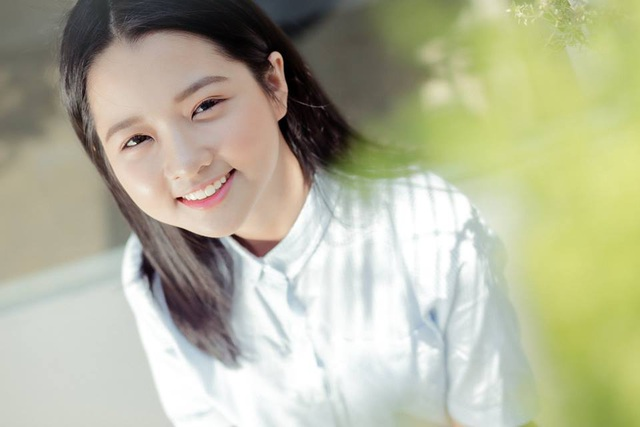Chỉ 19 giây, thiếu nữ 14 tuổi từng đóng Hoa vàng cỏ xanh đốn tim ngàn fans - 1