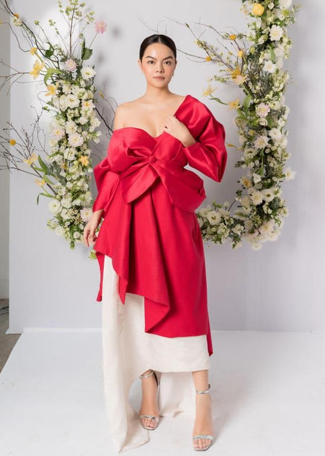 Mỹ Tâm, Hoàng Thùy nổi bật nhất tuần với trang phục gợi cảm - 9