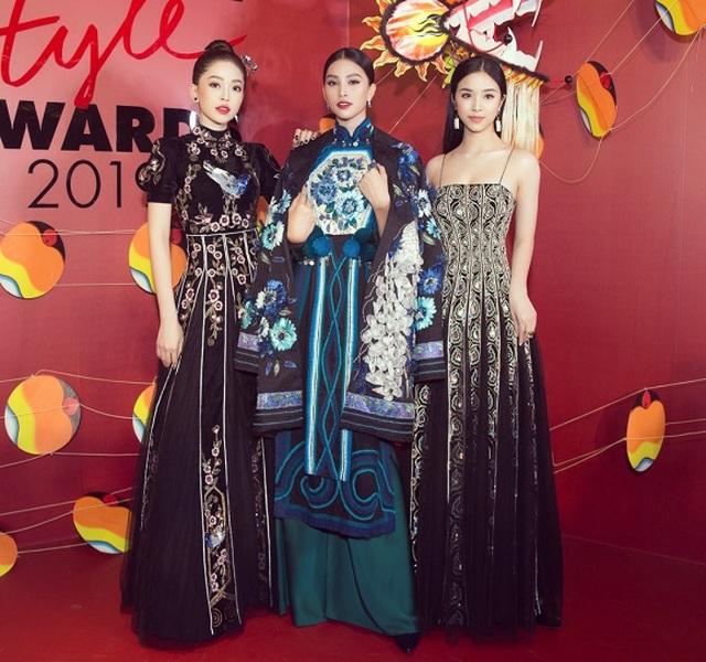 Mỹ Tâm, Hoàng Thùy nổi bật nhất tuần với trang phục gợi cảm - 11