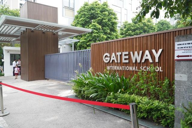 Vụ bé trường Gateway tử vong: Sao bà Quy trì hoãn khi CA triệu tập? - 2