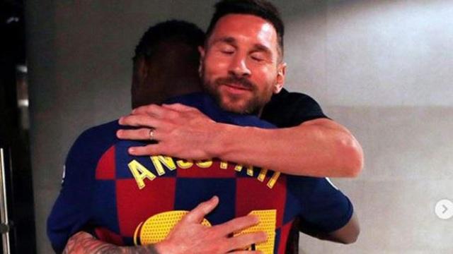 Cầu thủ 16 tuổi đi vào lịch sử của Barcelona - 2