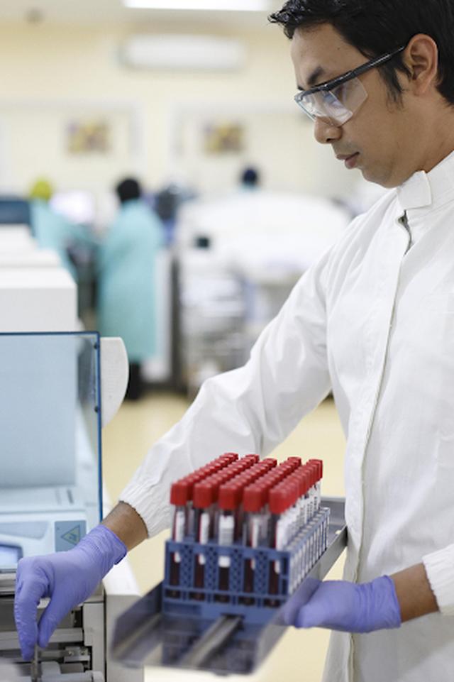 Roche tích cực đóng góp cho hoạt động hiến máu và sàng lọc máu tại Việt Nam - 1