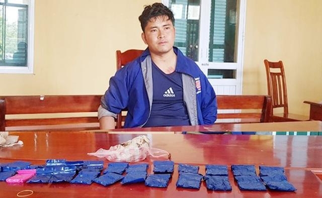 Bắt đối tượng vượt biên vận chuyển hơn 5.000 viên ma túy tổng hợp  - 1