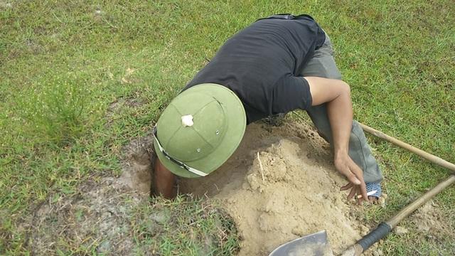 Theo chân thợ săn đào cát tìm hang, truy bắt thực phẩm tình yêu - 12