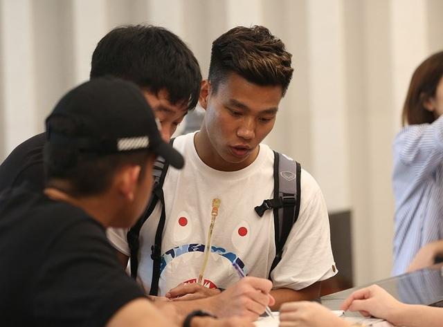 HLV Park Hang Seo hội quân muộn, cầu thủ HA Gia Lai có mặt đầy đủ - Ảnh minh hoạ 8