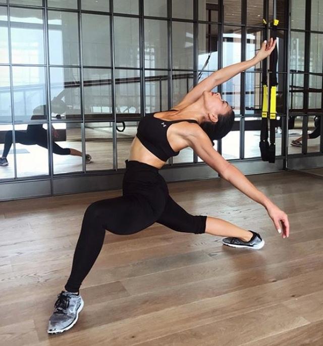 Nicole Scherzinger chia sẻ bí quyết giữ dáng gợi cảm - 6