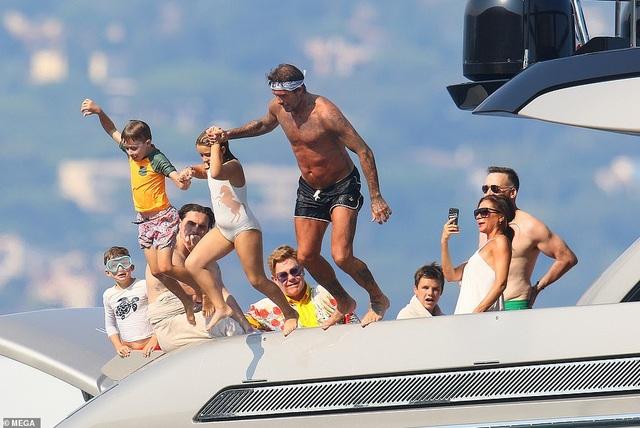 Ngưỡng mộ với hạnh phúc của gia đình David Beckham - 13