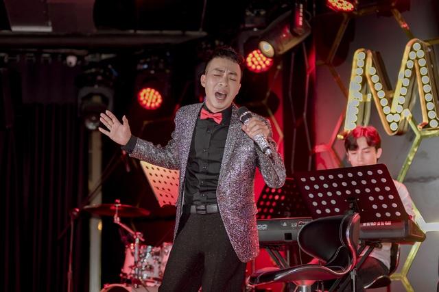 NSƯT Việt Hoàn bất ngờ tổ chức đêm nhạc giúp đỡ nghệ sĩ nghèo 84 tuổi - 1