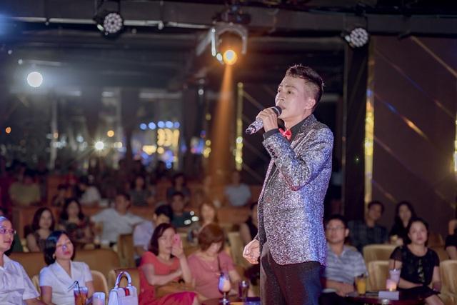 NSƯT Việt Hoàn bất ngờ tổ chức đêm nhạc giúp đỡ nghệ sĩ nghèo 84 tuổi - 5