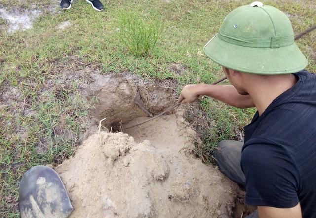 Theo chân thợ săn đào cát tìm hang, truy bắt thực phẩm tình yêu - 7