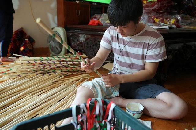 Người đàn ông hơn 40 năm làm đèn ông sư Trung thu ở Hà Nội - 5