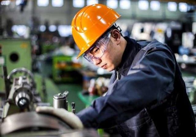 Năng suất lao động tư nhân bét bảng: Sự thật buồn hơn - 1