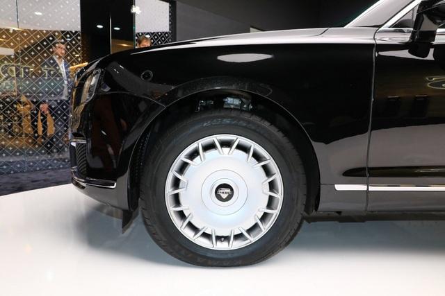 Rolls-Royce của nước Nga chốt giá tương đương hơn 6 tỉ đồng - 14