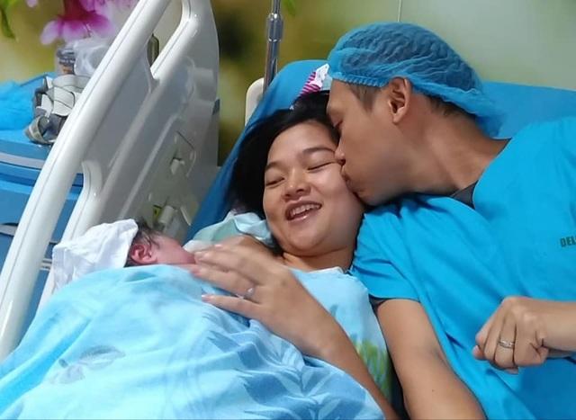 Mẹ Việt tại Philippines kể về hành trình sinh con dưới nước đầy xúc động - 4
