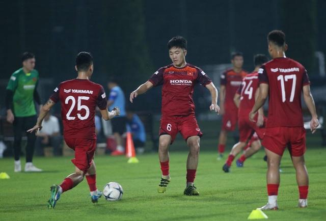 Văn Hậu, Trọng Hoàng báo tin vui với HLV Park Hang Seo - 3