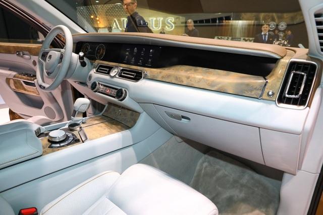 Rolls-Royce của nước Nga chốt giá tương đương hơn 6 tỉ đồng - 9