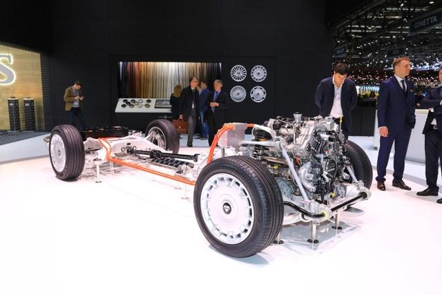 Rolls-Royce của nước Nga chốt giá tương đương hơn 6 tỉ đồng - 12
