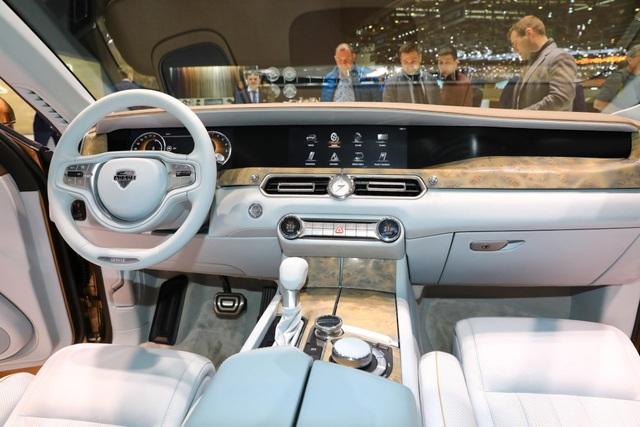 Rolls-Royce của nước Nga chốt giá tương đương hơn 6 tỉ đồng - 8
