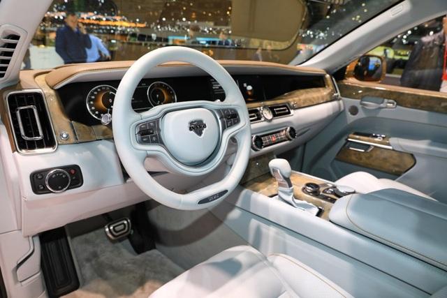 Rolls-Royce của nước Nga chốt giá tương đương hơn 6 tỉ đồng - 11