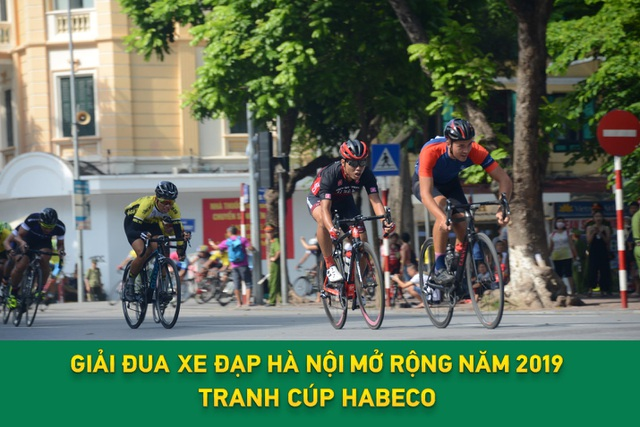 Các cua-rơ hào hứng với Giải đua xe đạp Hà Nội mở rộng 2019 tranh cúp HABECO - 2