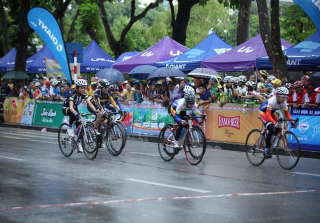 Các cua-rơ hào hứng với Giải đua xe đạp Hà Nội mở rộng 2019 tranh cúp HABECO - 3