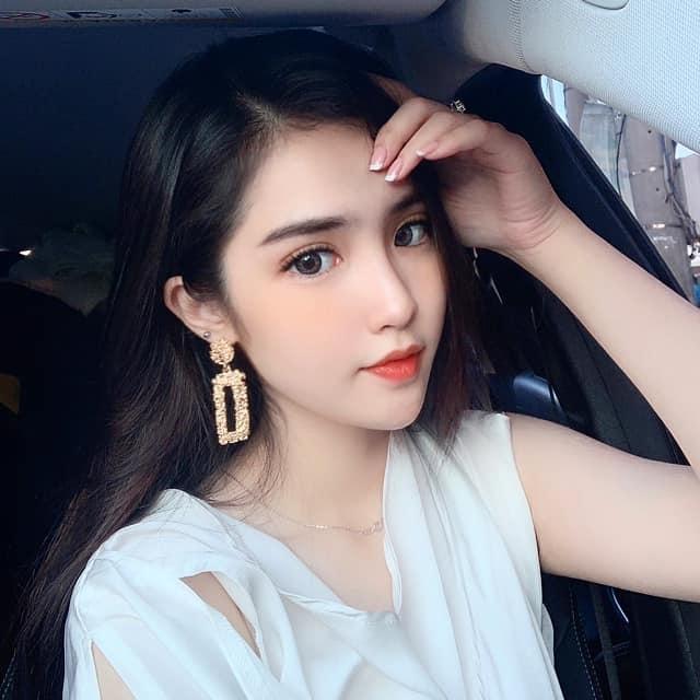 """Chân dung nữ sinh mang hai dòng máu Việt - Trung gây """"sốt"""" mạng - 4"""