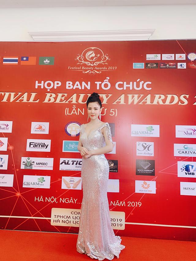 CEO 9x làm Trưởng ban Giám khảo cuộc thi nối mi Festival Beauty Award - 1