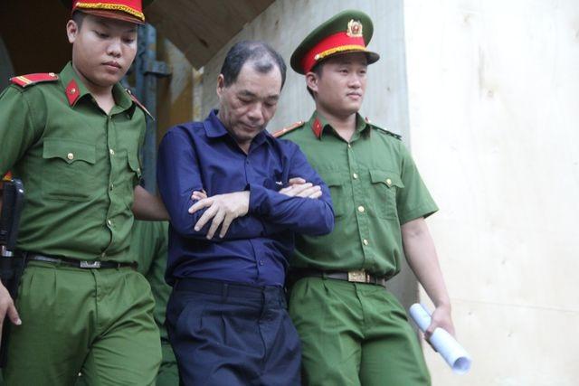 """Khởi tố hàng loạt nhân viên ngân hàng Phương Nam tiếp tay """"siêu lừa"""" Dương Thanh Cường - 1"""