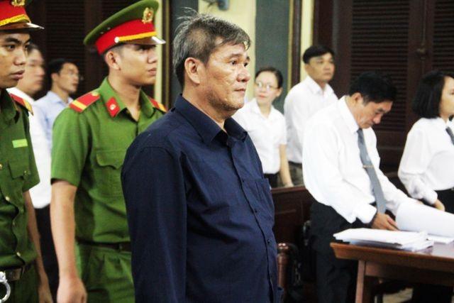 """Khởi tố hàng loạt nhân viên ngân hàng Phương Nam tiếp tay """"siêu lừa"""" Dương Thanh Cường - 2"""