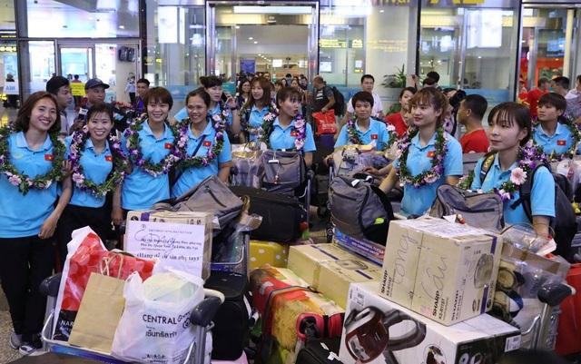 Đội tuyển nữ Việt Nam về nước, được thưởng hơn 2 tỷ đồng - Ảnh minh hoạ 5