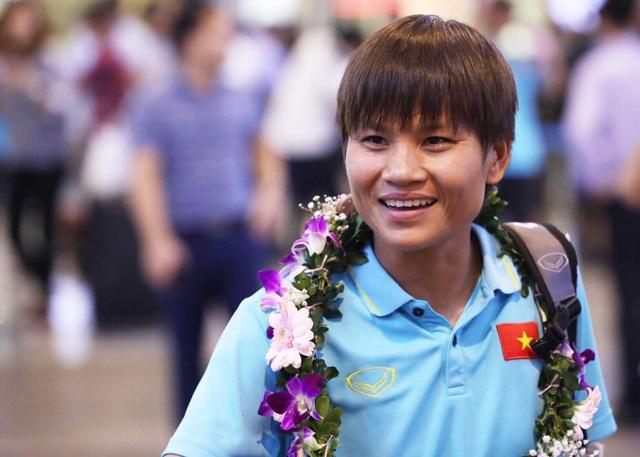 Đội tuyển nữ Việt Nam về nước, được thưởng hơn 2 tỷ đồng - 11